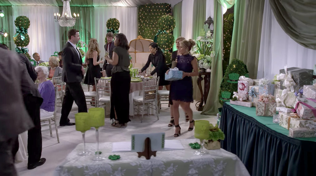 DJ & Steph crash a wedding in season 2 fuller house